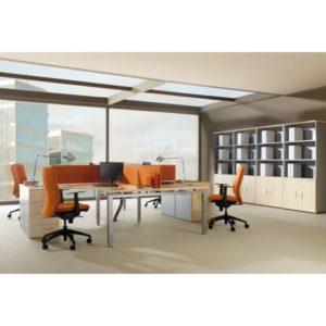 Mesa de oficina con separadores naranja Eco